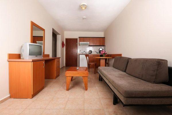 هتل تونتاس فامیلی سوئیتز کوش آداسی